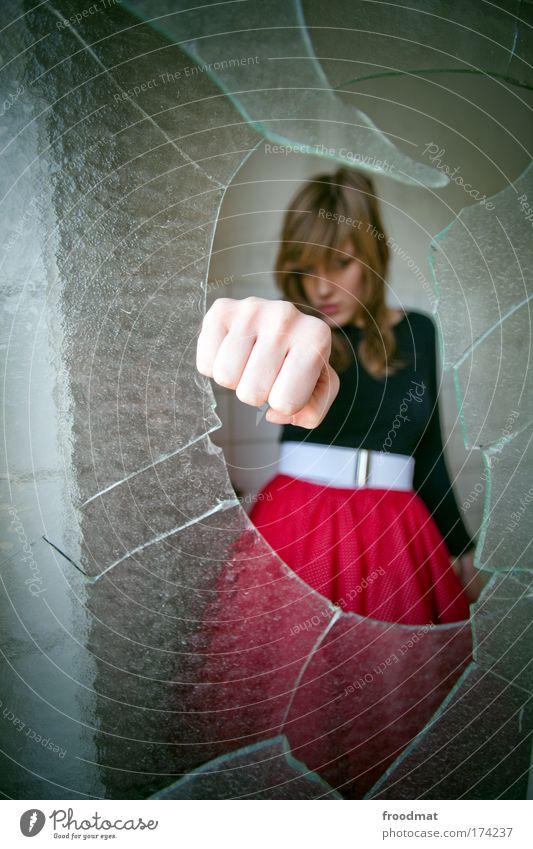 durchbruch Frau Mensch Jugendliche Hand schön Erwachsene feminin Kraft wild verrückt gefährlich Coolness bedrohlich einzigartig Kommunizieren