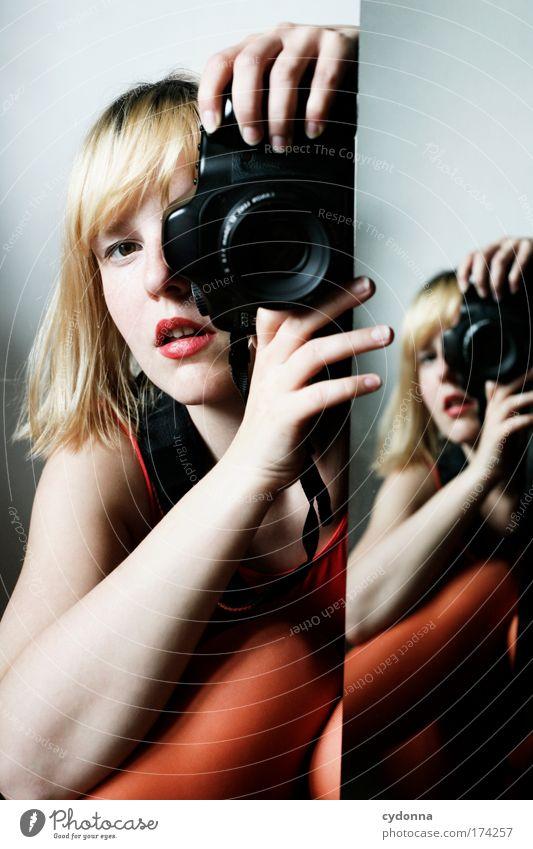 Behind the Mirror !2[][] Frau Mensch Jugendliche schön Farbe Erwachsene Leben Bewegung träumen Kraft Freizeit & Hobby elegant Fotografie Design ästhetisch einzigartig