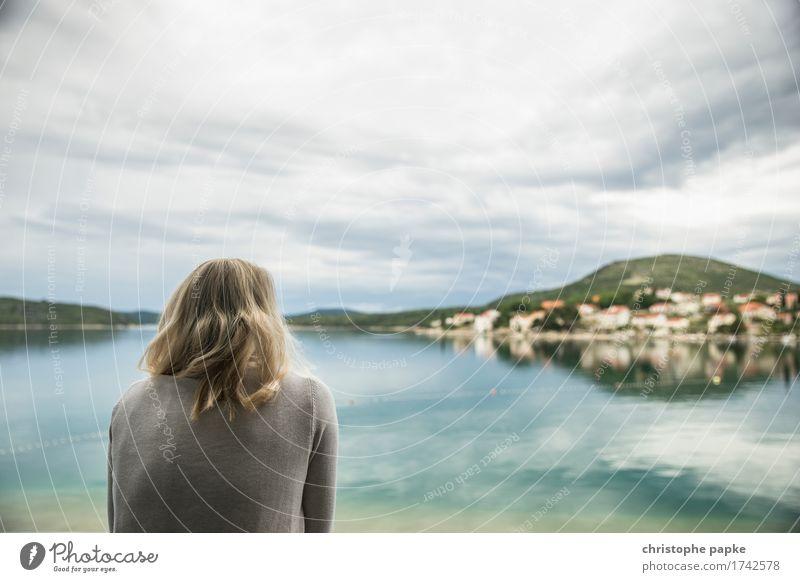 Gute Aussichten Ferien & Urlaub & Reisen Ausflug Ferne Sommer Sommerurlaub Meer Insel 1 Mensch 18-30 Jahre Jugendliche Erwachsene Küste Bucht slano Kroatien