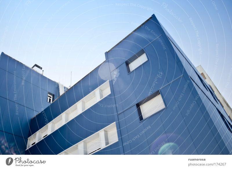 Himmel blau Fenster Architektur Gebäude außergewöhnlich neu