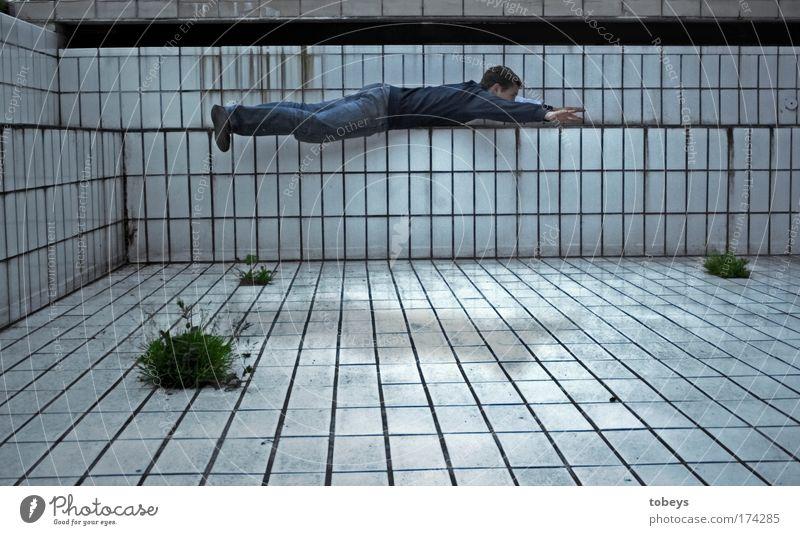 freischwimmer maskulin Junger Mann Jugendliche alt Schwimmbad Schweben fliegen gehen Freibad tauchen Schwerelosigkeit nass Superman Held Schwimmen & Baden