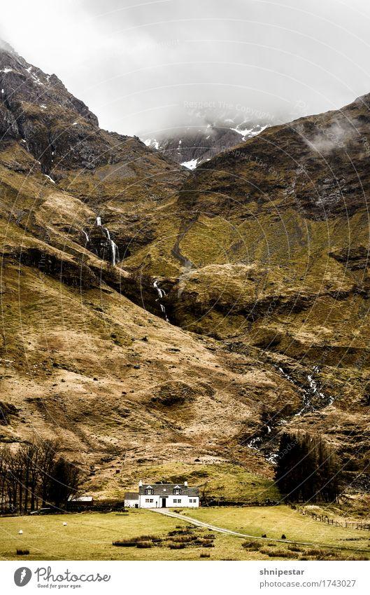 Glen Coe, Highlands, Scotland Himmel Natur Ferien & Urlaub & Reisen Landschaft Haus Berge u. Gebirge Umwelt außergewöhnlich Felsen Tourismus Regen