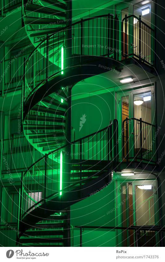 fire emergency exit Stadt grün Haus Architektur Gebäude Business Metall Treppe Energiewirtschaft Tür ästhetisch Technik & Technologie verrückt Industrie Feuer
