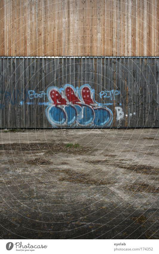 Brettwerk Stadt Haus Wand Graffiti Holz grau Gebäude Mauer Kunst braun Fassade Beton Ordnung Platz Design Schriftzeichen
