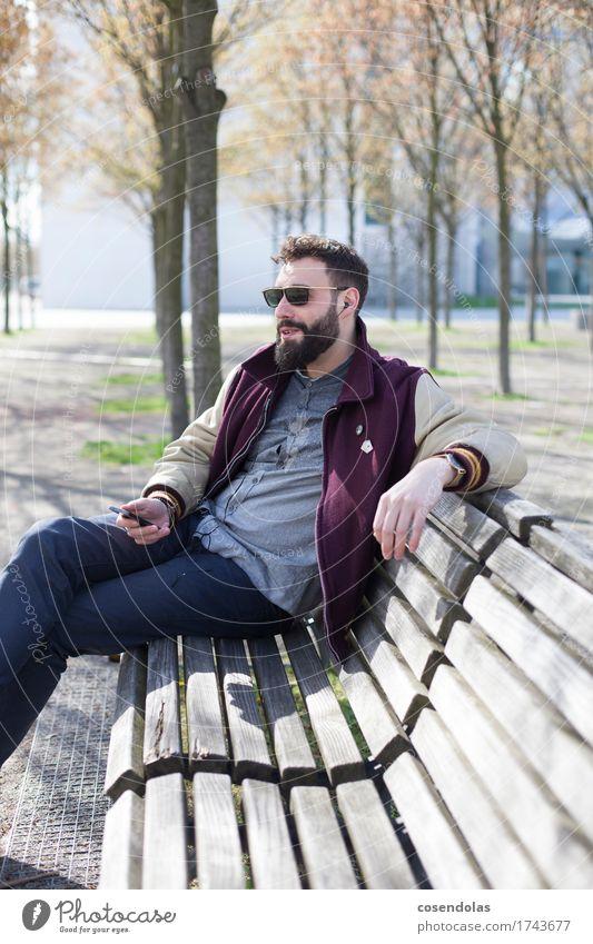 Dude Lifestyle Sightseeing Sommerurlaub Sonne Student Handy MP3-Player PDA maskulin Junger Mann Jugendliche 1 Mensch 18-30 Jahre Erwachsene Musik Musik hören