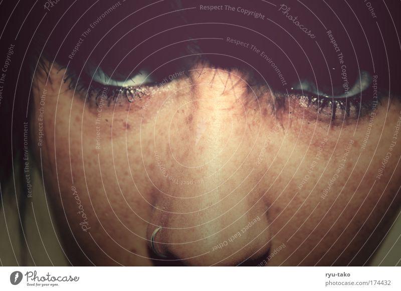 I kill ya ! Farbfoto Innenaufnahme Tag Schatten Porträt Blick feminin Junge Frau Jugendliche Haare & Frisuren Gesicht Auge 1 Mensch 18-30 Jahre Erwachsene