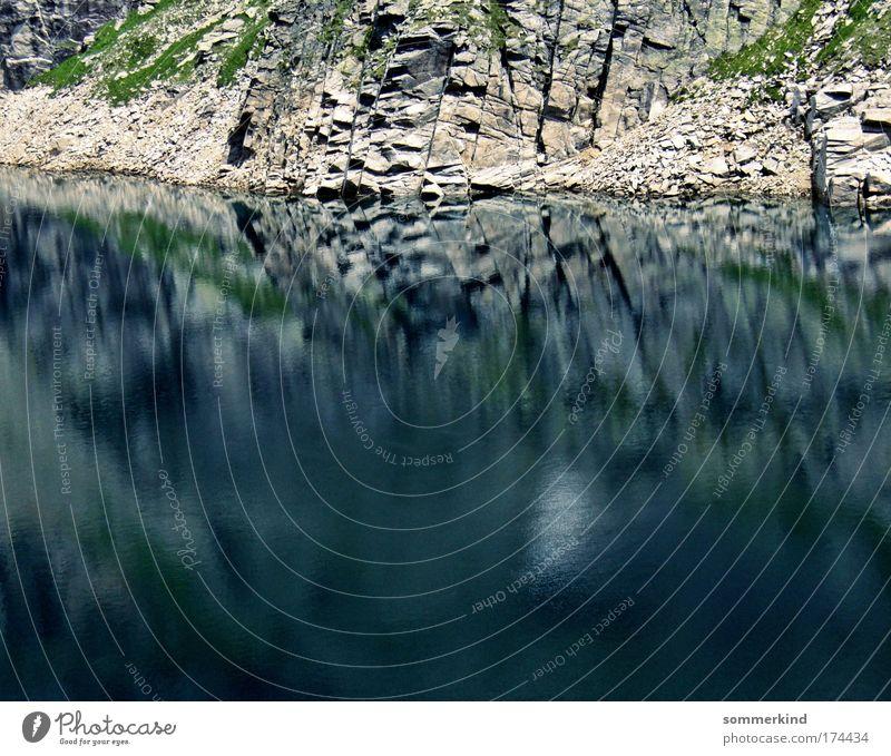 Parallelwelt Natur Ferien & Urlaub & Reisen blau grün Wasser Landschaft Berge u. Gebirge Umwelt Gras Küste grau See Stein braun Sand Felsen