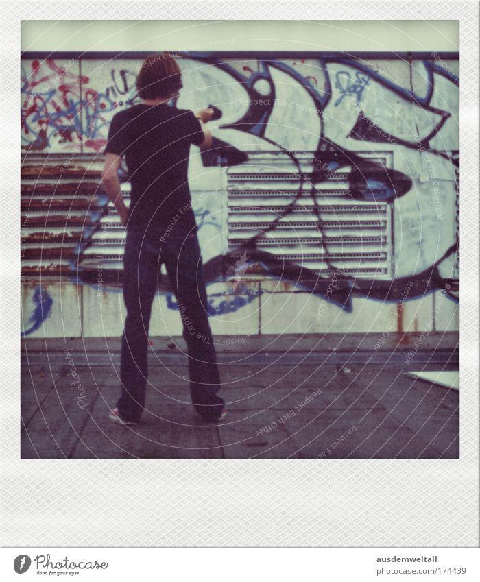 Virtual Painting Farbfoto Gedeckte Farben Außenaufnahme Polaroid Tag Zentralperspektive Blick nach hinten Freizeit & Hobby Anstreicher Handwerk Mensch maskulin