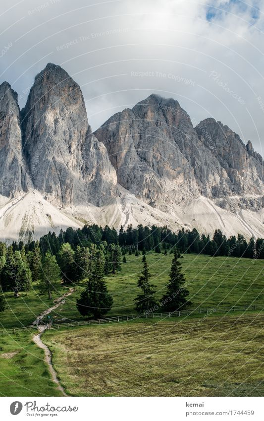 Gipfelzipfel Himmel Natur Ferien & Urlaub & Reisen Sommer grün Landschaft Erholung Wolken ruhig Ferne Wald Berge u. Gebirge Umwelt Freiheit Felsen Ausflug