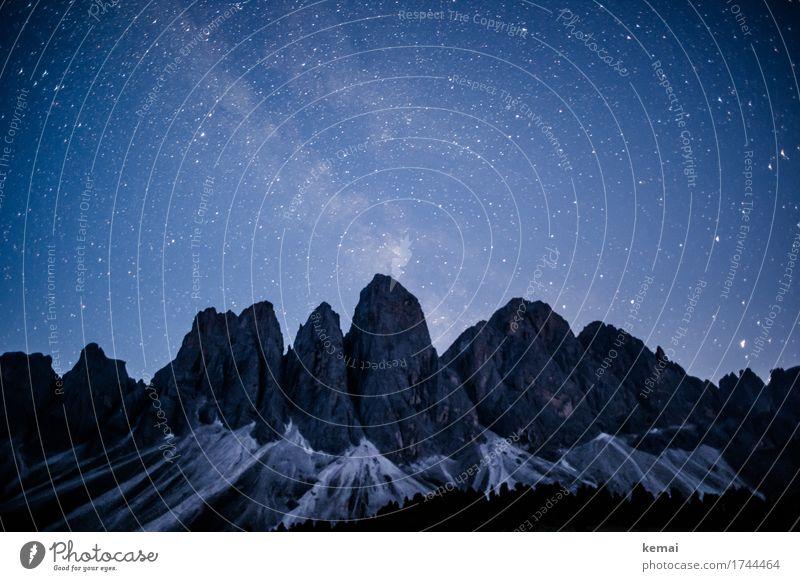 Boldly go where no man has gone before Abenteuer Freiheit Umwelt Natur Landschaft Wolkenloser Himmel Nachthimmel Stern Schönes Wetter Felsen Alpen