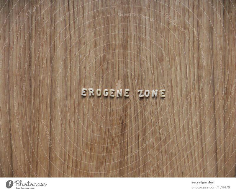hier bitte drücken. Erotik Holz Stil braun Sex Lebensmittel ästhetisch Schriftzeichen Tisch Hinweisschild Mitte Bioprodukte Nudeln Kunstwerk Mittelpunkt