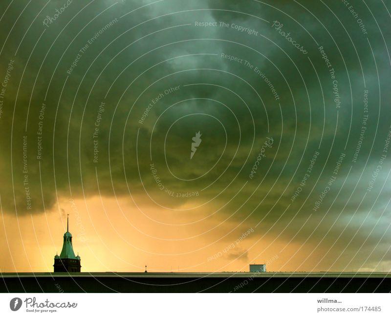 braugut wolkenhausen Stadt Sommer Wolken Gebäude Wetter Horizont Hochhaus Klima Turm Dach Bauwerk Unwetter Schönes Wetter schlechtes Wetter Klimawandel
