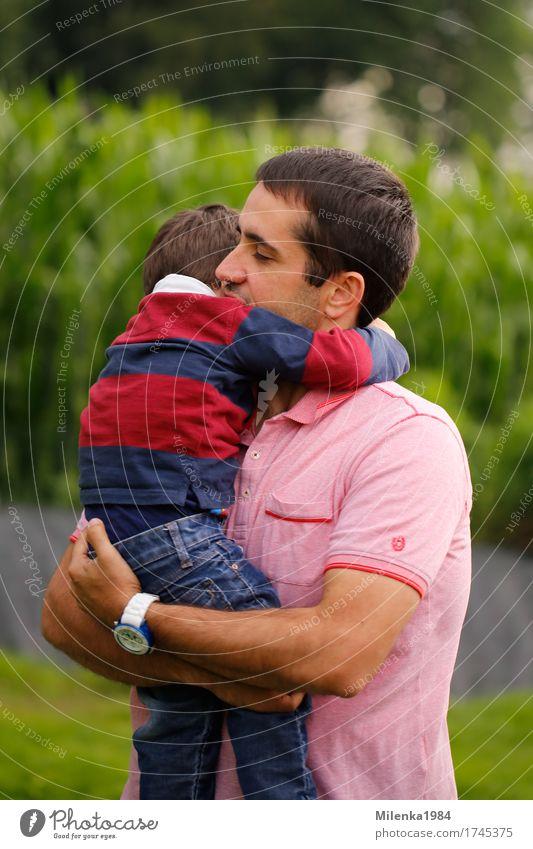 father and son Mensch Kind Jugendliche Mann Junger Mann Erwachsene Liebe Gefühle Glück Zusammensein maskulin Kindheit Warmherzigkeit Schutz Sicherheit