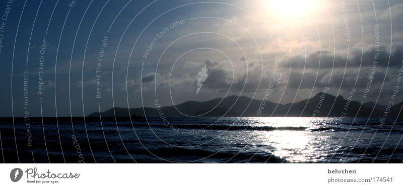ausprobiererei Himmel blau Sommer Strand Ferien & Urlaub & Reisen Meer Wolken Ferne Erholung Freiheit träumen Küste Wellen Zufriedenheit Zusammensein Insel