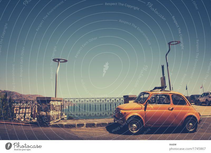 Knutschkugel Ferien & Urlaub & Reisen Meer Straße Küste klein orange Tourismus Verkehr PKW Europa retro Italien niedlich Vergangenheit Städtereise Nostalgie