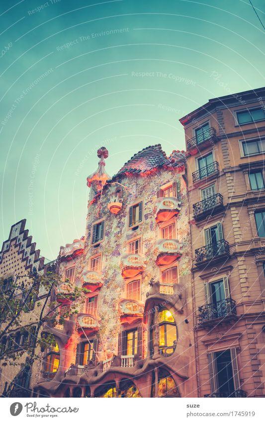 Hausmärchen Ferien & Urlaub & Reisen Freude Fenster Architektur Beleuchtung Lifestyle Stil Gebäude Kunst außergewöhnlich Fassade Design Tourismus