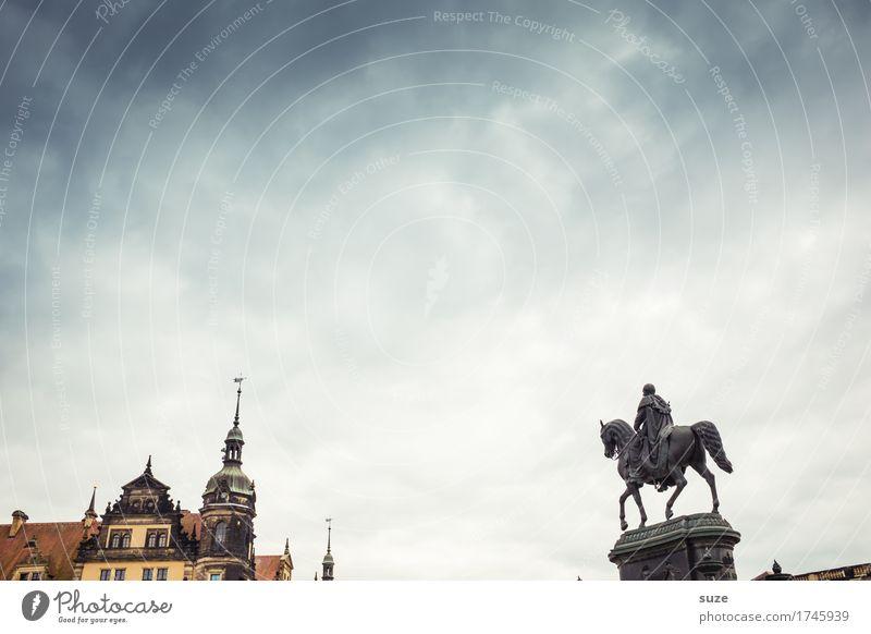 Spitzenreiter Tourismus Städtereise Skulptur Kultur Himmel Stadt Platz Architektur Sehenswürdigkeit Wahrzeichen Denkmal Pferd alt historisch blau