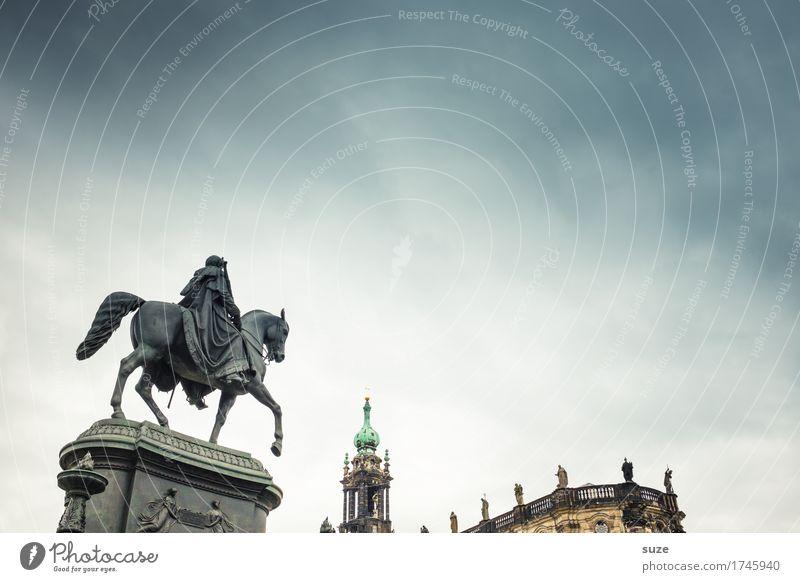 Vorreiter Tourismus Städtereise Skulptur Kultur Himmel Stadt Platz Architektur Sehenswürdigkeit Wahrzeichen Denkmal Pferd historisch blau Religion & Glaube