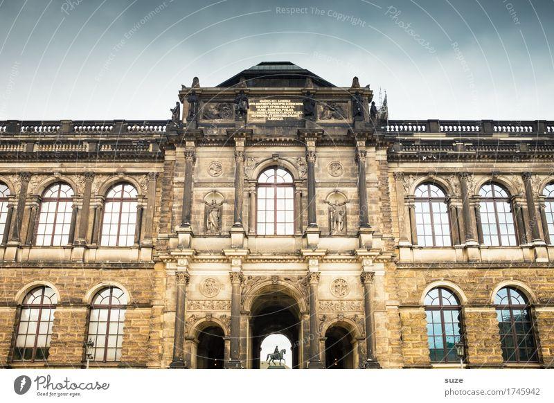 Durchzug Stadt Fenster Architektur Religion & Glaube Deutschland Fassade Tourismus Platz Kultur historisch Vergangenheit Symbole & Metaphern Gemälde