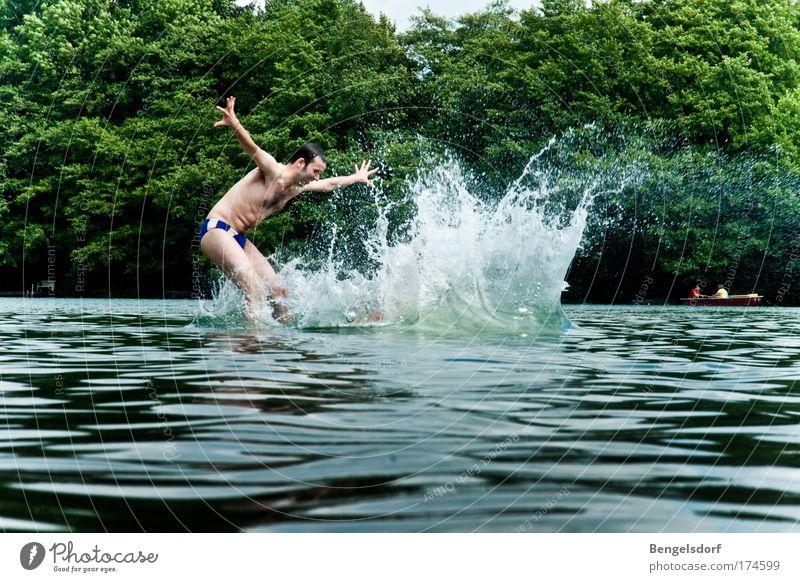 Formschön Mensch Natur Jugendliche Wasser Ferien & Urlaub & Reisen Pflanze Sommer Leben Freiheit springen Schwimmen & Baden Freizeit & Hobby Wassertropfen Junger Mann fallen Fitness