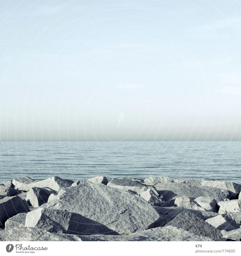 seascape II Farbfoto Gedeckte Farben Außenaufnahme Tag Natur Landschaft Wasser Himmel Wolkenloser Himmel Küste Nordsee Ostsee Meer Stein schön elegant Kraft