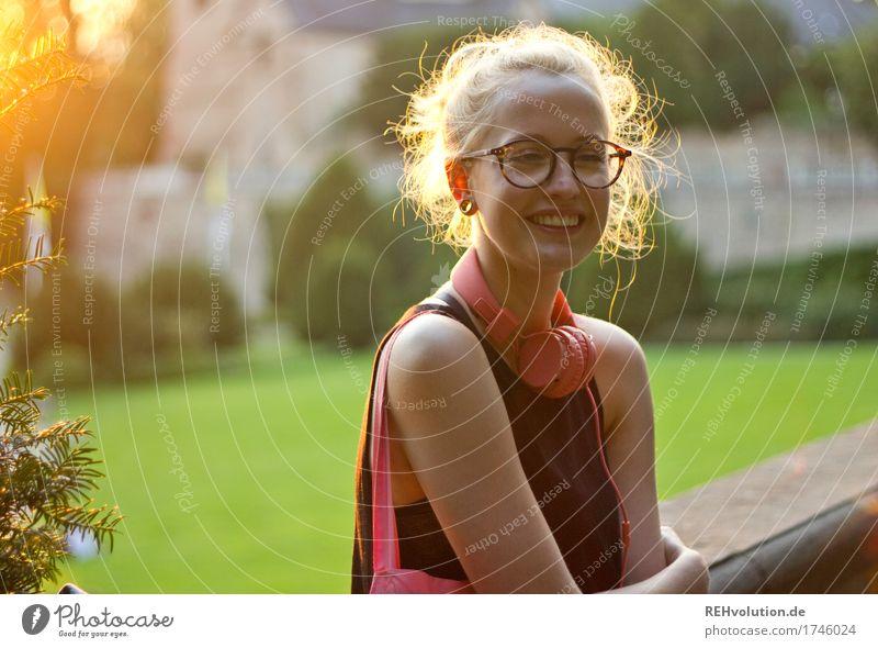 Alexa | Cityhipster Frau Mensch Jugendliche Junge Frau Stadt Freude 18-30 Jahre Erwachsene Lifestyle natürlich feminin Stil lachen Glück außergewöhnlich