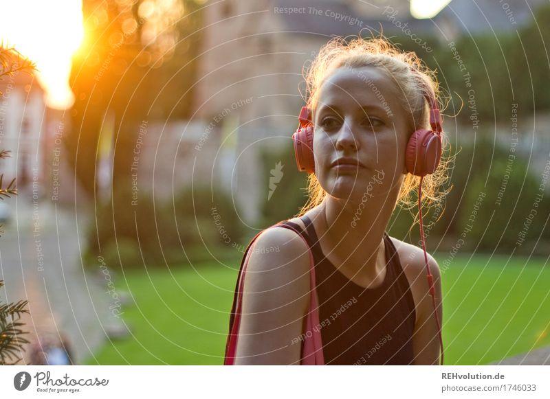 Alexa | Cityhipster Lifestyle Stil Freizeit & Hobby Mensch feminin Junge Frau Jugendliche Gesicht 1 18-30 Jahre Erwachsene Jugendkultur Musik Musik hören Medien