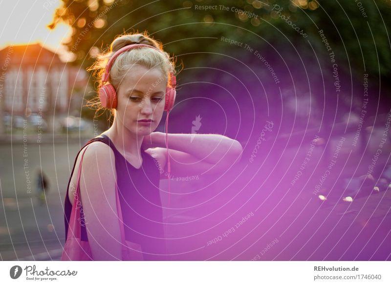 Alexa | Cityhipster Mensch Frau Jugendliche Junge Frau Stadt schön Einsamkeit 18-30 Jahre Erwachsene Lifestyle natürlich feminin Stil Freizeit & Hobby blond