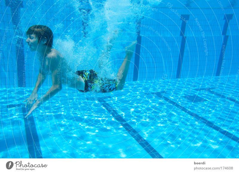 aUfschwung Mensch Kind Jugendliche blau Sommer Freude Ferien & Urlaub & Reisen Sport Leben Junge Wärme maskulin nass Tourismus