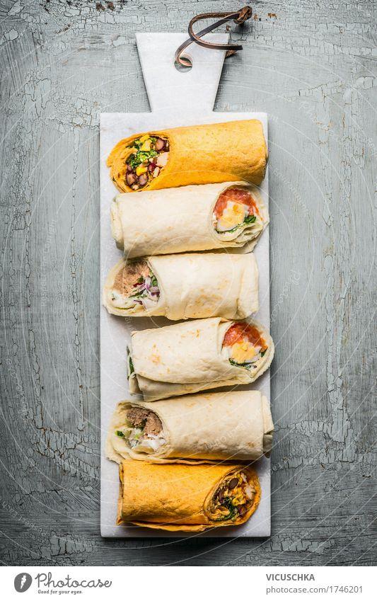 Verschiedene vegetarische Tortilla Wraps Gesunde Ernährung Foodfotografie Essen Leben Stil Lebensmittel Design Fisch Küche Gemüse Bioprodukte Restaurant Brot