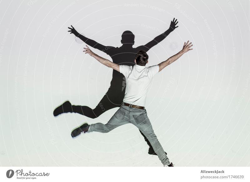 Schattenballett 5 Freude Spielen maskulin Junger Mann Jugendliche Erwachsene 1 Mensch 18-30 Jahre 30-45 Jahre Lebensfreude Bewegung x springen Farbfoto