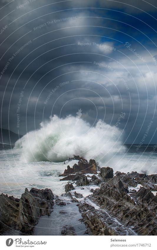 Meeresgrollen Himmel Natur Ferien & Urlaub & Reisen Wasser Landschaft Wolken Ferne Umwelt Küste Freiheit wild Wetter Wellen Wind Wassertropfen