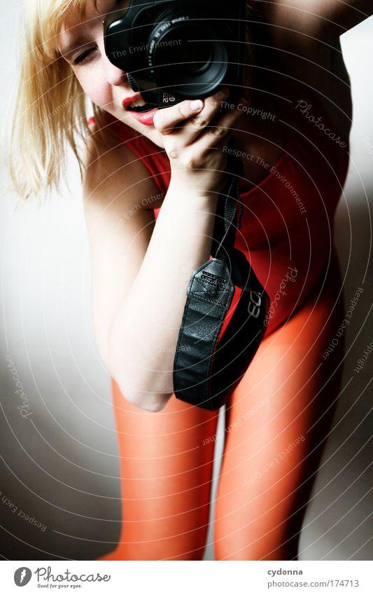 Shooting Frau Mensch Jugendliche schön Freude Farbe Leben Freiheit Gefühle Erwachsene träumen Freizeit & Hobby elegant Fotografie ästhetisch Zukunft