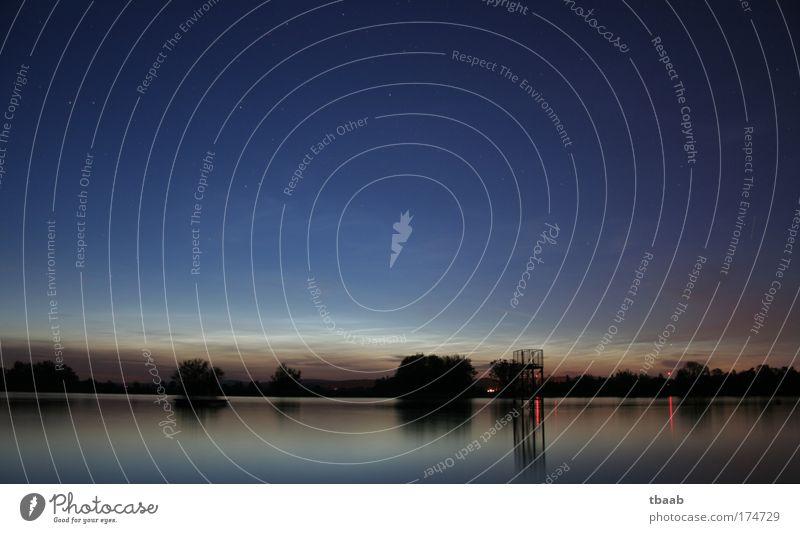 Nachts am Rhein Himmel Natur blau Wasser ruhig Landschaft Umwelt Gefühle Luft Stimmung Schönes Wetter Fluss Flussufer Wolkenloser Himmel harmonisch Blauer Himmel