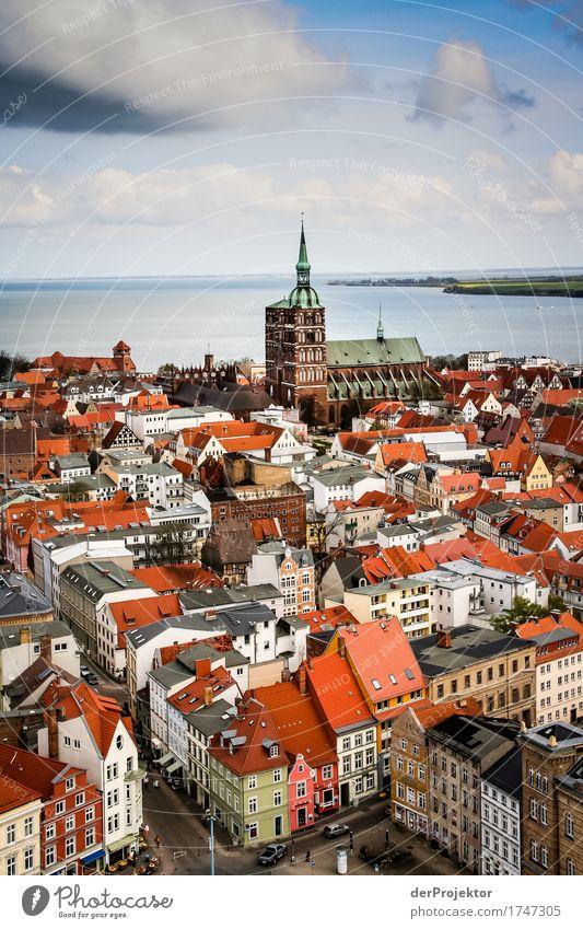 Blick auf die Hansestadt Stralsund Ferien & Urlaub & Reisen Haus Ferne Architektur Gebäude Freiheit Tourismus Ausflug ästhetisch authentisch Kirche Abenteuer