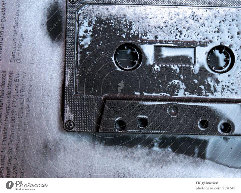 Vorsicht frisch gestrichen! Farbe Freude Musik Lifestyle modern einzigartig hören zeichnen silber Inspiration Tonband Musikkassette innovativ nerdig Nachtleben
