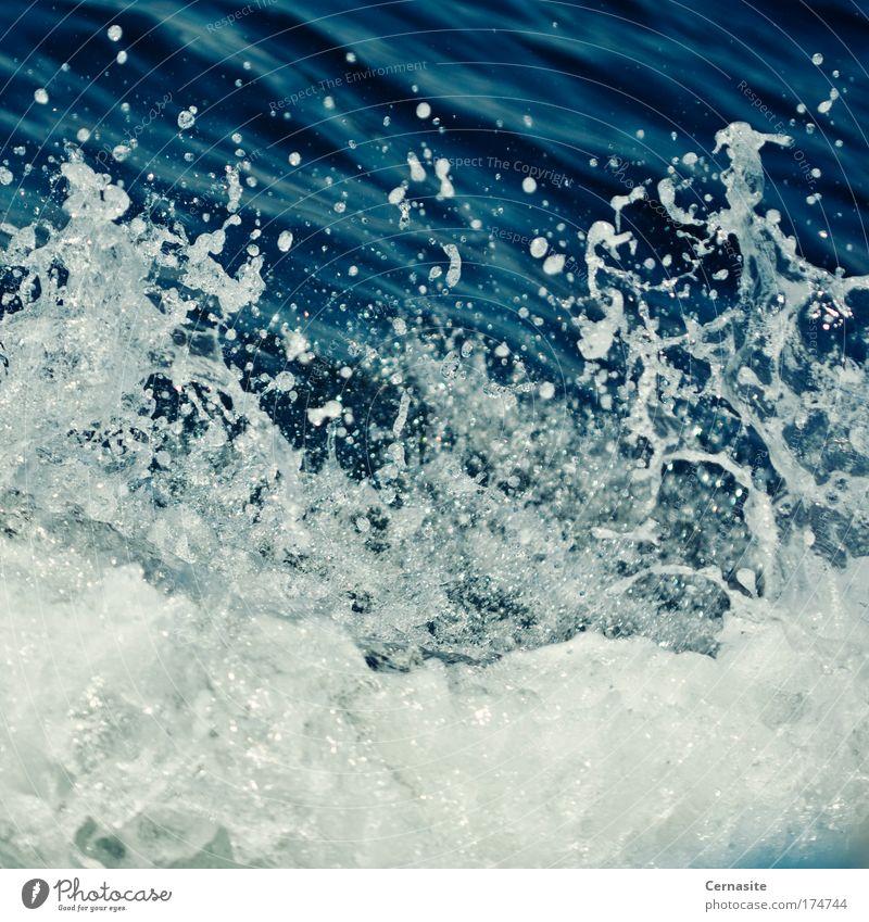 Natur Wasser schön weiß Meer blau Sommer dunkel Bewegung See Wärme Landschaft Eis Wellen Wind Wassertropfen