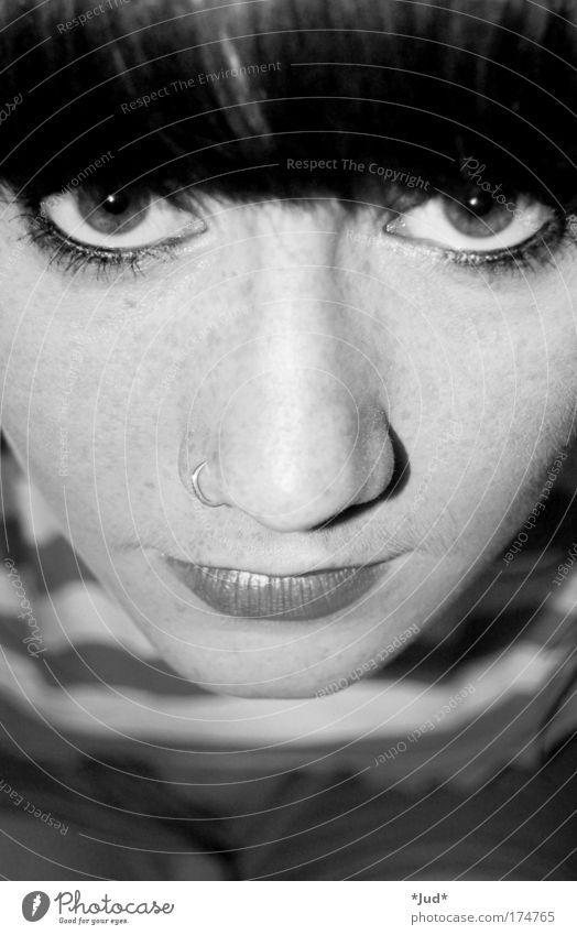 Blickfang ruhig feminin Freiheit ästhetisch geheimnisvoll Mut