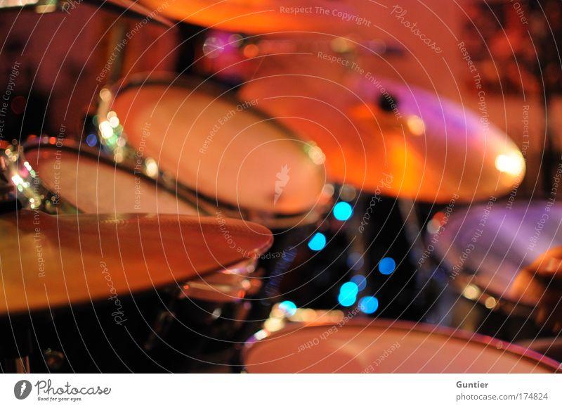 """""""Some Kind Of Stranger"""" II blau rot Freude schwarz Spielen Gefühle Musik Kunst Fröhlichkeit Rock `n` Roll violett Konzert Musikinstrument Unschärfe Bühne"""