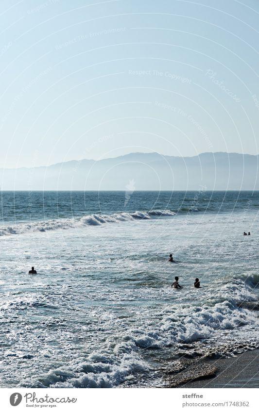 Natur II Berge u. Gebirge Küste Meer Schwimmen & Baden venice beach Los Angeles Pazifik Pazifikstrand Wellen Farbfoto Außenaufnahme