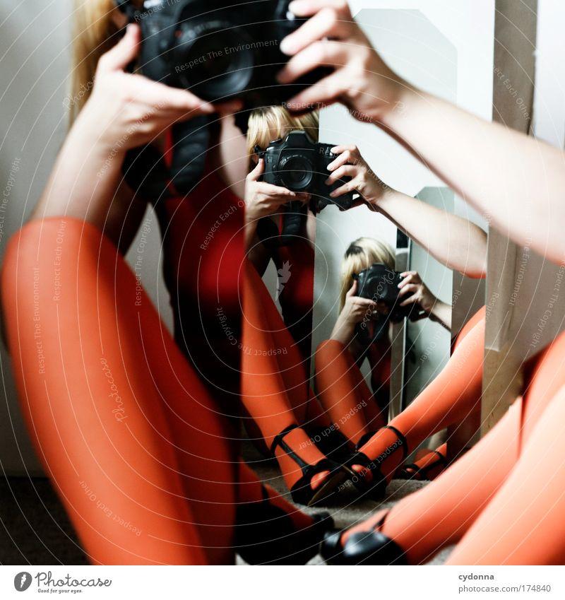 Erweiterte Realität Frau Mensch Jugendliche schön Erwachsene Farbe Leben Strümpfe Bewegung Beine Freizeit & Hobby Fotografie ästhetisch Zukunft Wandel & Veränderung einzigartig