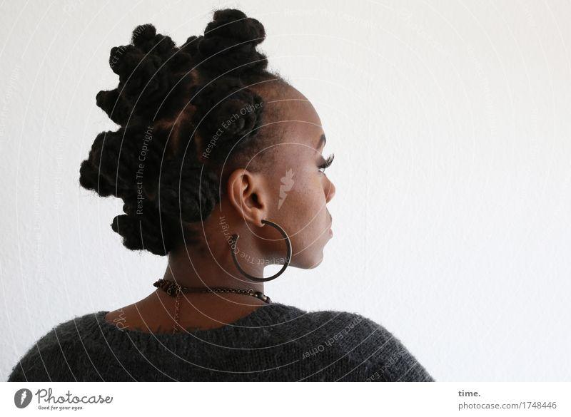 . Mensch schön feminin außergewöhnlich Zeit Denken Haare & Frisuren Kreativität warten lernen beobachten Coolness Konzentration Wachsamkeit Inspiration