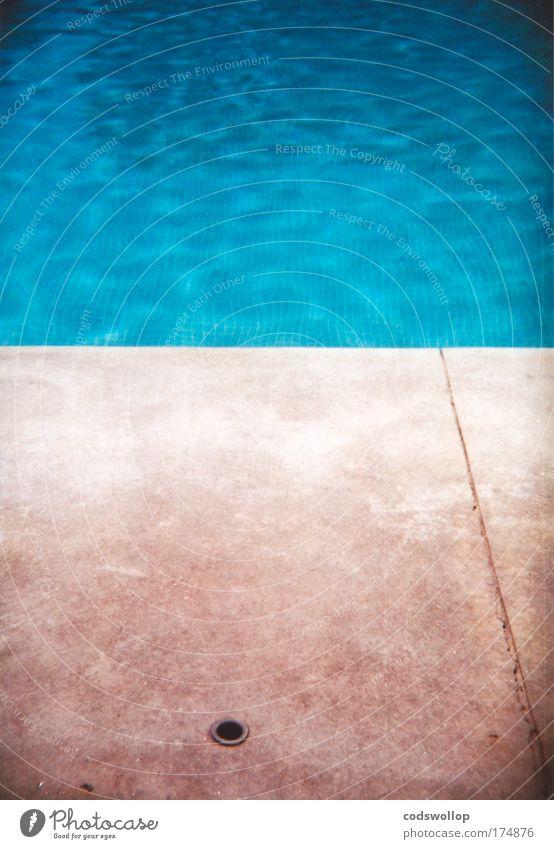 aquatic-ape-hypothese Farbfoto Außenaufnahme Holga abstrakt Menschenleer Textfreiraum oben Textfreiraum unten Textfreiraum Mitte Lifestyle Sommerurlaub