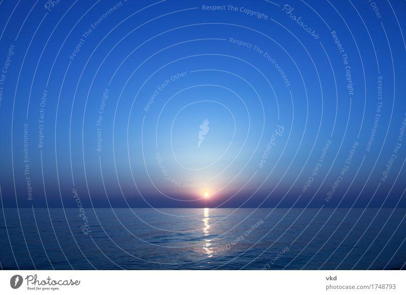 Sonnenaufgang Umwelt Landschaft Wasser Himmel Horizont Sonnenuntergang Sommer Meer Beginn Ferien & Urlaub & Reisen Hoffnung Leben Farbfoto Außenaufnahme