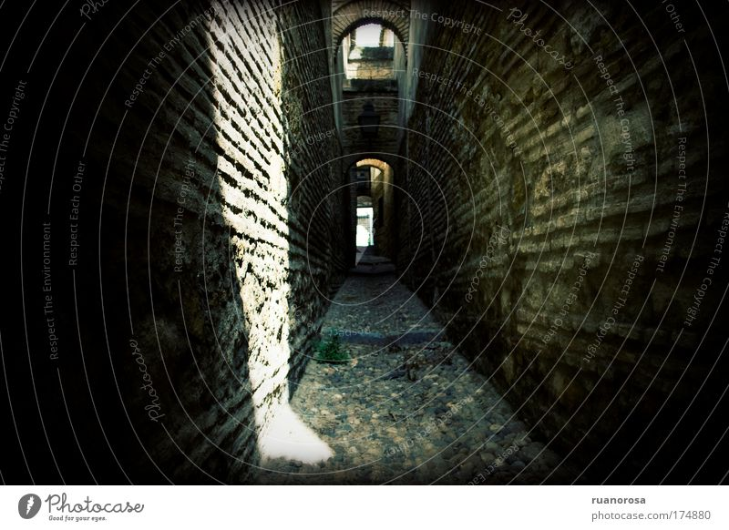 alt Stadt Architektur Tunnel Backstein historisch Felsbogen Gasse Altstadt Cordoba Gesteinsformationen Sackgasse