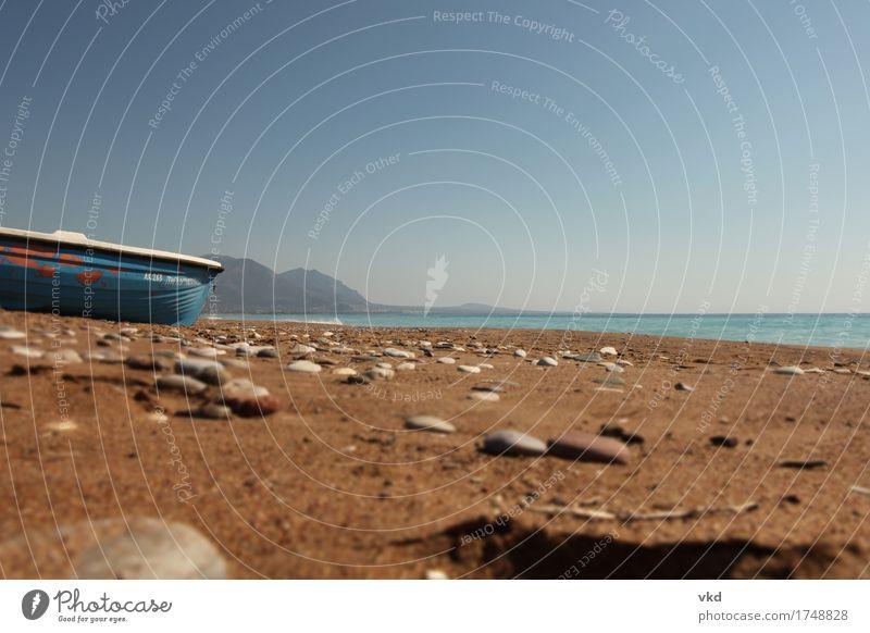 Boot Sand Meer Landschaft Wasser Sommer Küste Strand Horizont Ferien & Urlaub & Reisen ruhig Umwelt Farbfoto Außenaufnahme Menschenleer Tag Froschperspektive