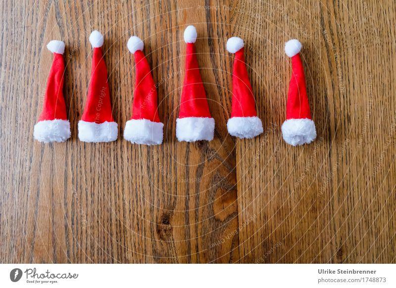 Zipfel quer Weihnachten & Advent weiß rot Freude Wärme Stil Holz Feste & Feiern Design liegen Dekoration & Verzierung warten Spitze weich Kitsch Mütze