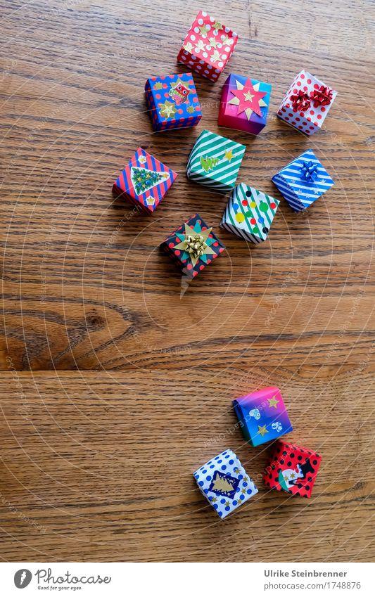 Noch mehr Päckle 2 Feste & Feiern Weihnachten & Advent Streifen Schnur Knoten Schleife liegen eckig Fröhlichkeit klein Vorfreude Erwartung Paket Verpackung
