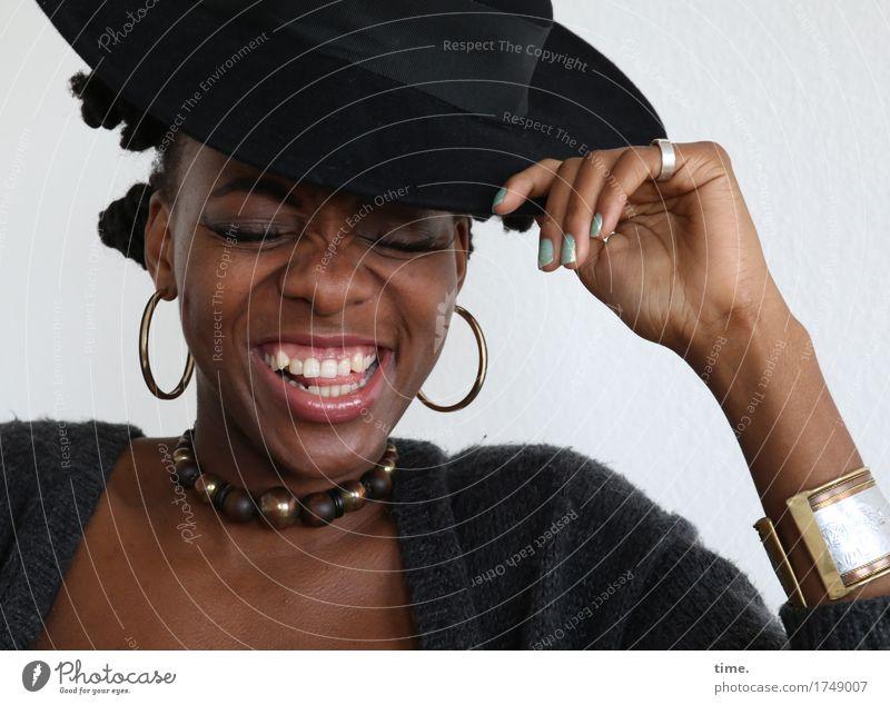 . Mensch schön Freude Leben feminin lachen Glück außergewöhnlich Haare & Frisuren Fröhlichkeit Energie Lebensfreude Wohlgefühl Leidenschaft Hut Schmuck
