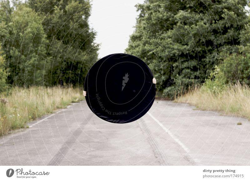 black hole one Hand Baum Sommer schwarz Straße Wald springen Planet abstrakt Erde Angst Kunst Umwelt Suche Kreis Macht